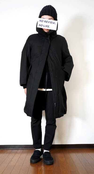 ユニクロ+Jのハイブリッドダウンコート(ウィメンズ)の着用イメージ