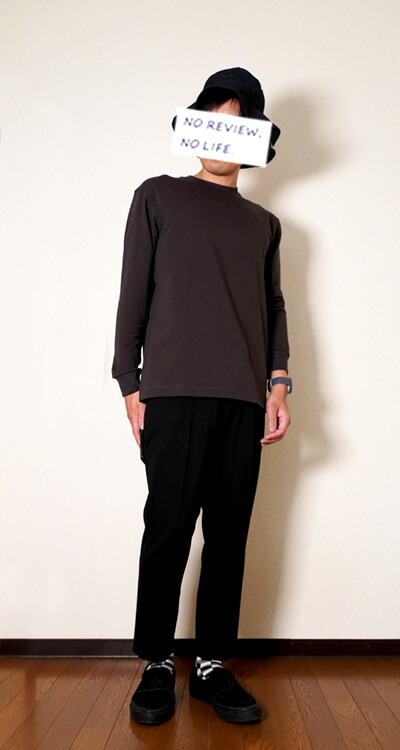 ユニクロユーヒートテックコットンクルーネックTシャツ(メンズ)斜め